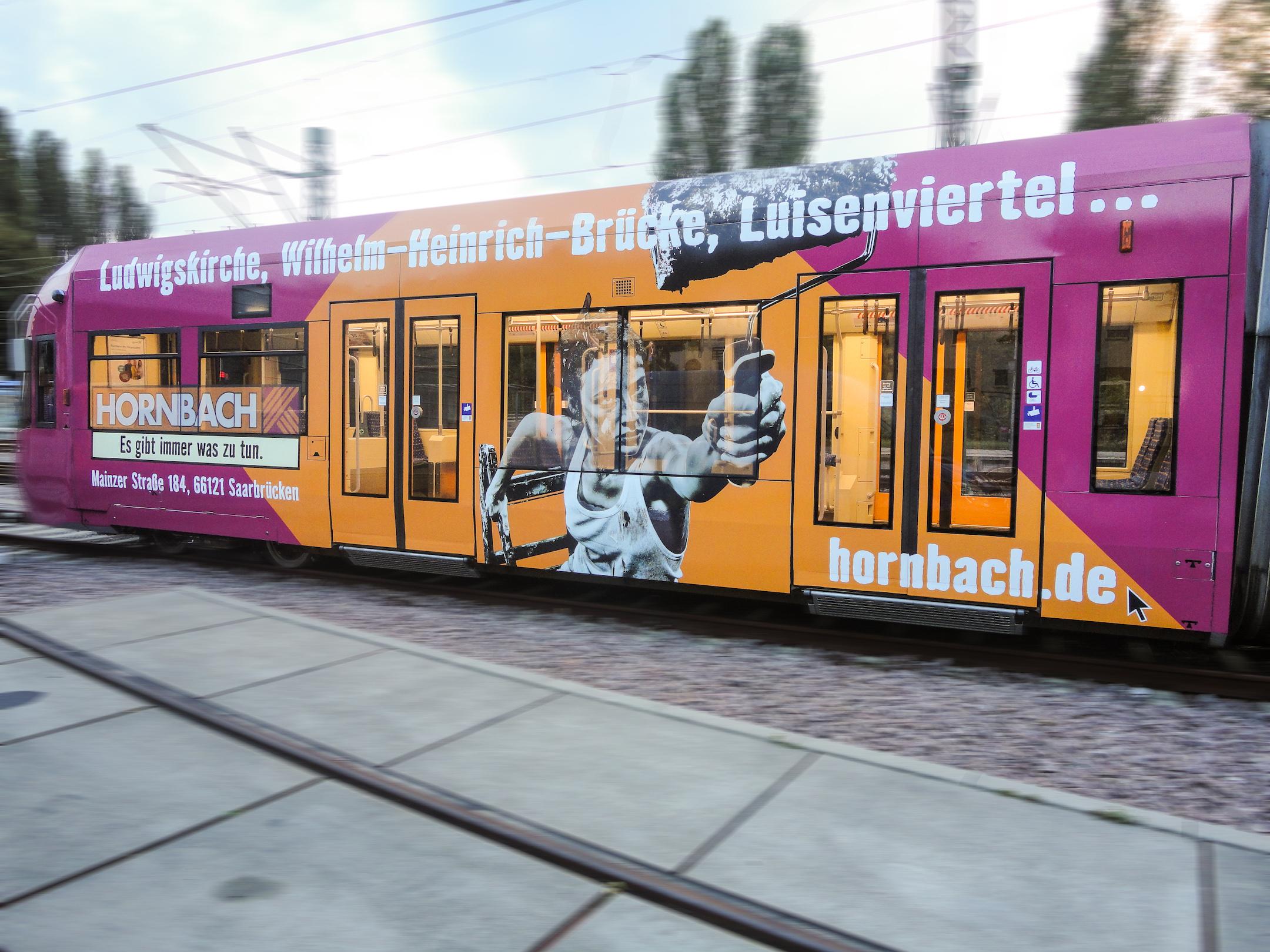Hornbach  • Straßenbahnwerbung Saarbrücken